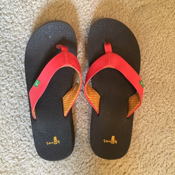Sanuk Shoes - Sanuk Flipflops!